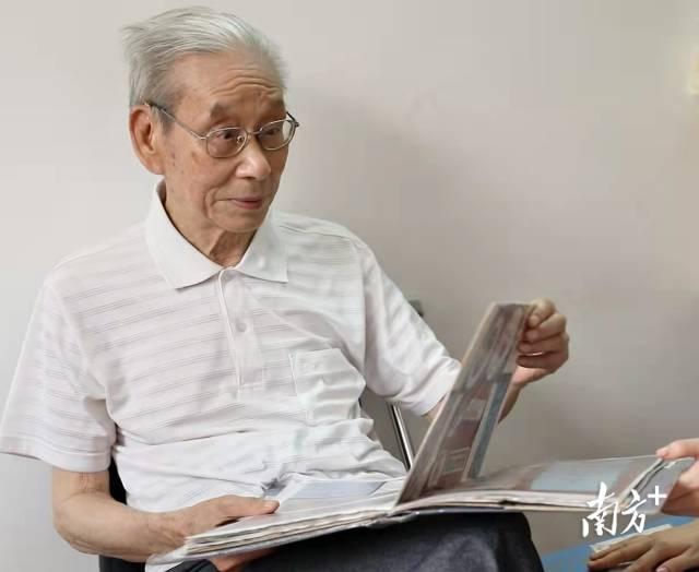 梁永淞曾是第一届广交会业务员。